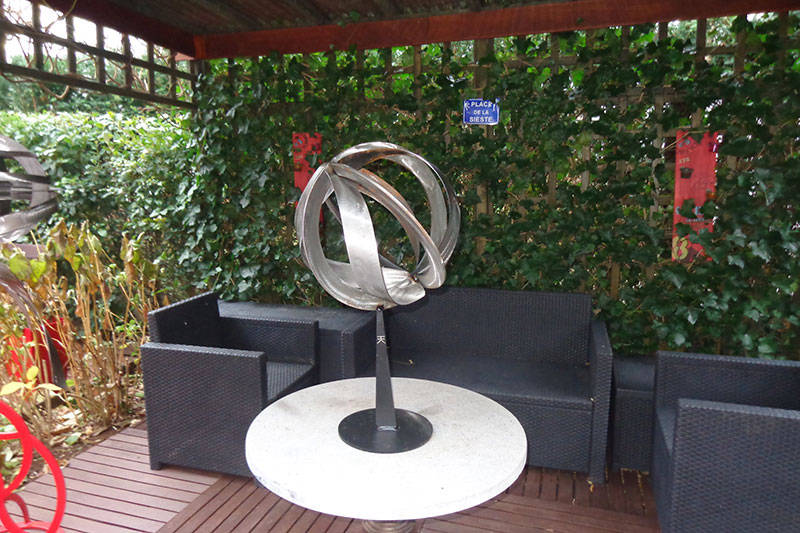 Sculpture Deville table basse globe